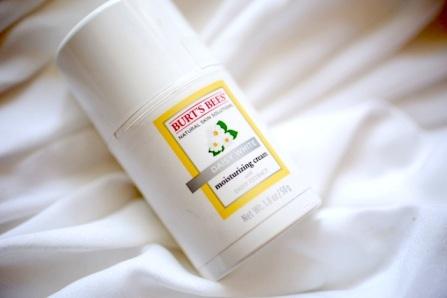 burts-bees-daisy-white-moisturizing-cream